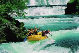 Una River white water rafting