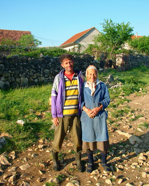 Bobi and his mother welcoming us with prosciutto and cheese. Zrmanja river.