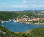Walking-Croatian-National-Parks-Skradin